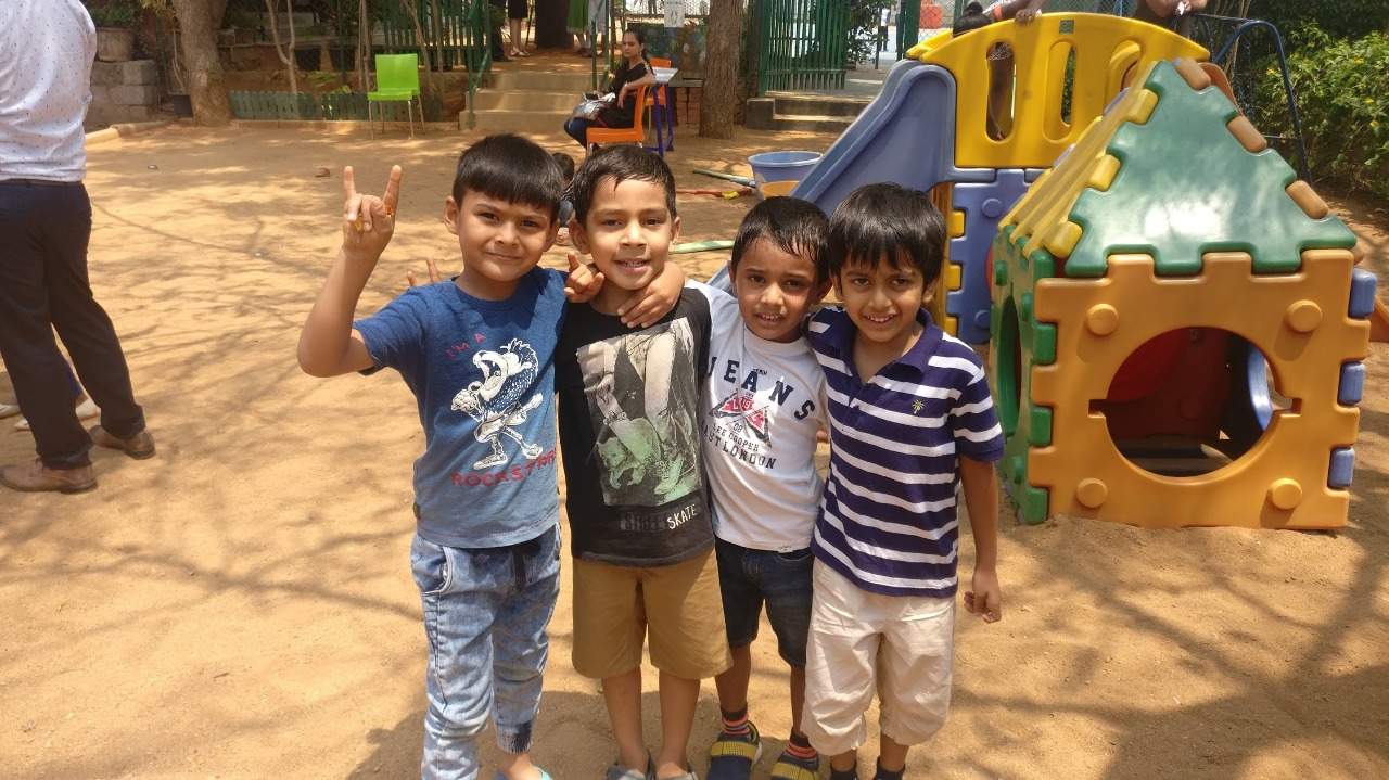 Anjuum Khanna's Son Yuuvan Khanna and his friends