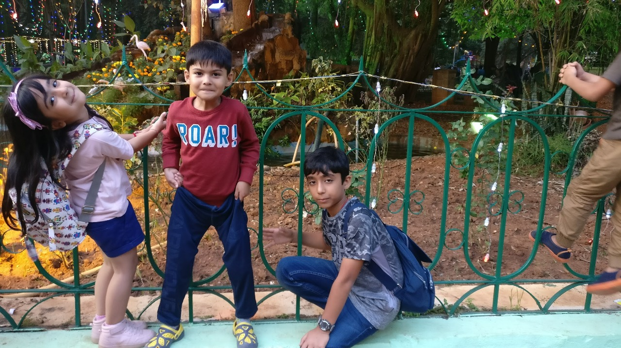 Anjuum Khanna's Son Yuuvan Khanna and his Friend